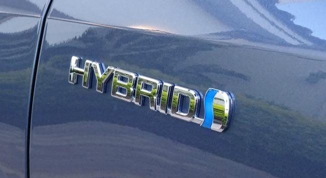 2017 toyota highlander hybrid review