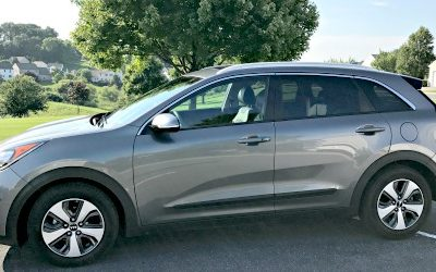 2017 Kia Niro EX Hybrid Review: Offering MPG That Will Turn Heads
